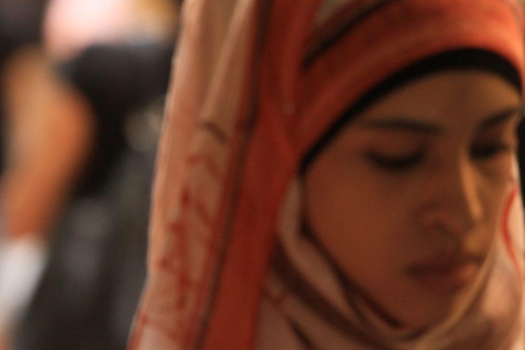 Aleppo: le donne preferiscono il suicidio