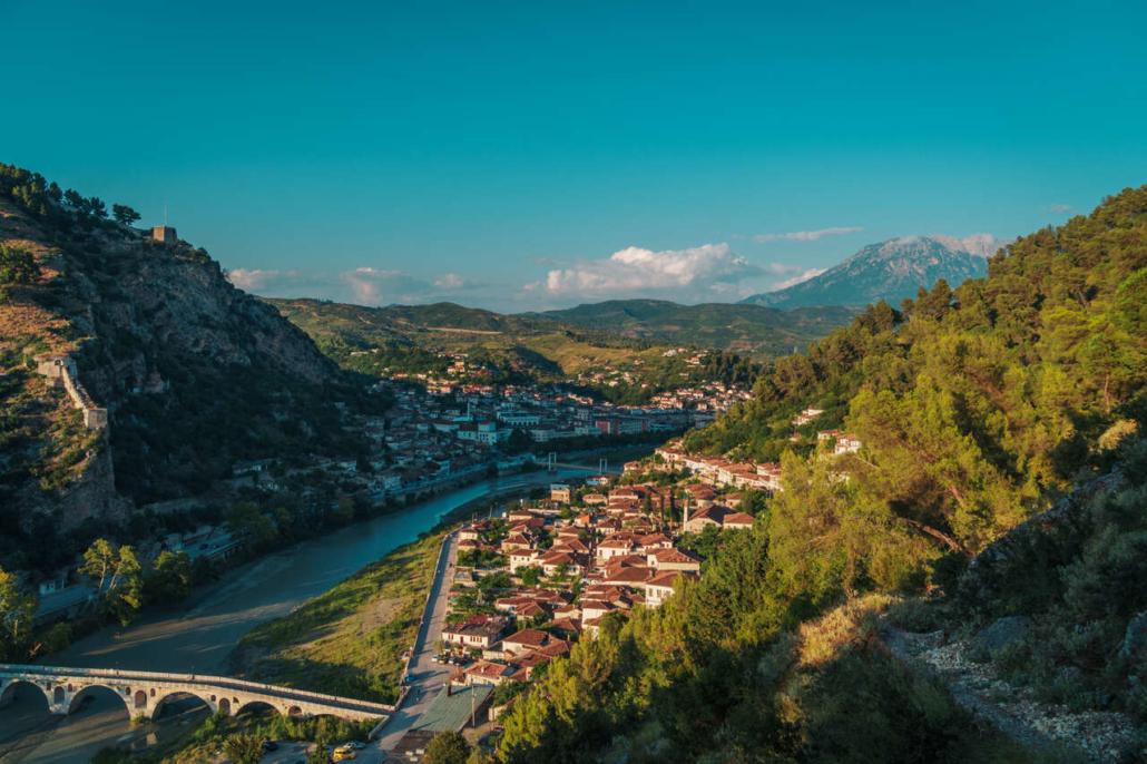 Spopolamento: I rischi dei borghi italiani evidenziano un circolo virtuoso.
